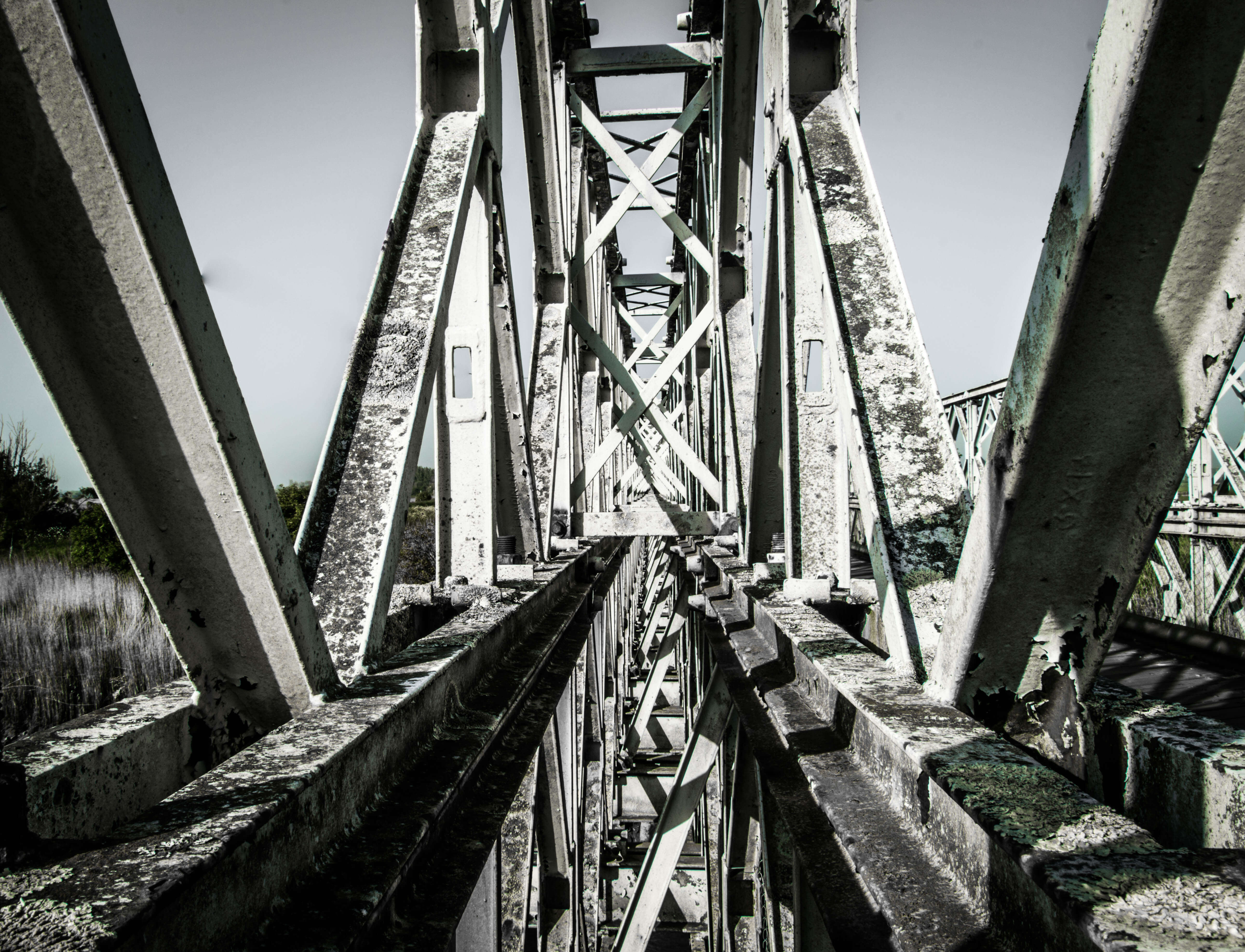 Pont métallique - Rue de l'info